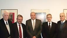 Expertenrunde im Hamburger Apothekerhaus: Dr. Jörn Graue, Prof. Dr. Harald G. Schweim, Dr. Peter Froese, Prof. Dr. Elmar Mand, Prof. Dr. Hilko J. Meyer (von links) (Foto: tmb)