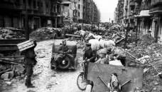 Im Zweiten Weltkrieg verloren auch viele jüdische Apotheker ihr Leben, in den Trümmern wurden viele Apotheken zerstört. Teil 4 der DAZ.online-Miniserie über jüdische Apotheker dreht sich um die Frage, wie es für die Überlebenden Pharmazeuten weiterging. ( r / Foto: Imago)