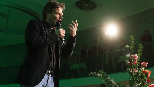 Einem Zeitungsbericht zufolge will Grünen-Parteichef Robert Habeck nicht akzeptieren, dass Internetkonzerne wie DocMorris gegenüber Vor-Ort-Händlern bevorteilt werden. (s / Foto: Imago)