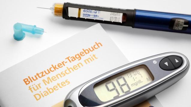 Häufige Kontrolle: Zu Beginn der Hepatitis-C-Behandlung bei Diabetikern muss der Blutzucker engmaschig überwacht werden. (m / Foto: fovoto / stock.adobe.com)