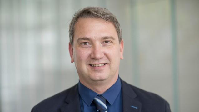 Der Arzneimittel-Experte der Techniker Krankenkasse, Tim Steimle, setzt bei der Aufklärung über Nutzen und Risiken rezeptfrei erhältlicher Schmerzmittel auf die Apotheker. (m / Foto: Techniker Krankenkasse)