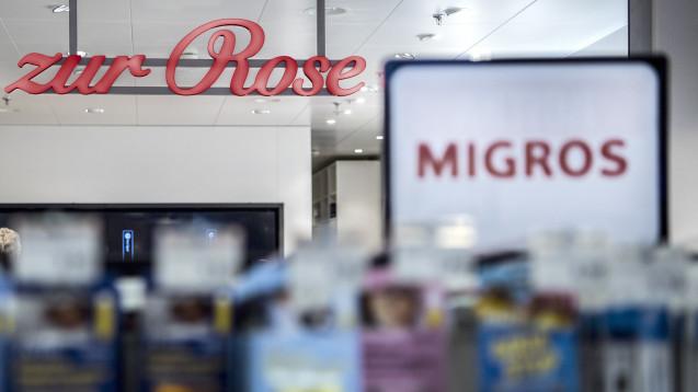 Mehr Kunden für Migros und die DocMorris-Mutter Zur Rose: Die Krankenkasse ÖKK lotst ihre Versicherten zur Supermarktkette Migros und der Versandapotheke Zur Rose, die ebenfalls beide eine Kooperation betreiben (s. Bild). (Foto: dpa)