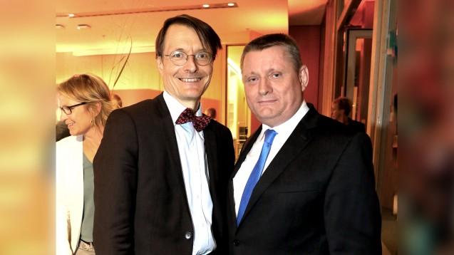 Karl Lauterbach (SPD, links) und Bundesgesundheitsminister Hermann Gröhe (CDU) holen erneut ein Direktmandat für den Bundestag. (Foto: dpa)