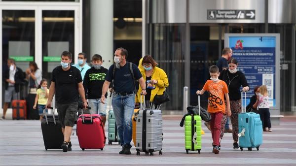 Kostenlose Corona-Tests für alle Reiserückkehrer aus dem Ausland