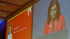 FIP-Präsidentin Carmen Peña eröffnet den Weltapothekerkongress in Düsseldorf. (Foto: diz/DAZ)