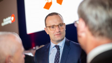 Jens Spahn sprach vor den versammelten Apothekern vieles an – aber nicht das Rx-Versandverbot. (s / Foto: Schelbert)