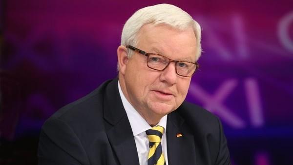 Der letzte Apotheker: Michael Fuchs (CDU) hat angekündigt, nicht mehr zu kandidieren. (Foto: dpa)