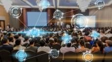 Netzwerke lassen sich beispielsweise gut auf Kongressen knüpfen. ( r / THANANIT/ stock.adobe.com)