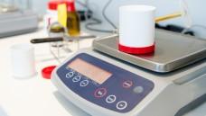 Mit der Herstellung von Rezepturen leisten Präsenz-Apotheken einen wichtigen Beitrag zur Arzneimittelversorgung. (foto:Picture-Factory / Fotolia)