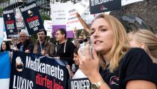 Protest gegen Gileads-Hochpreispolitik vor dem Europäischen Patentamt in München. (Foto: Ärzte ohne Grenzen / Peter Bauza)