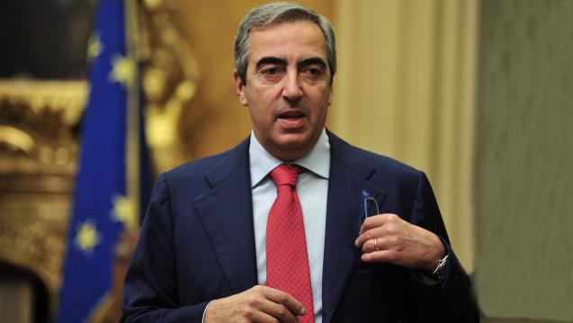 Maurizio Gasparri, Vizepräsident des italienischen Senats, hat angekündigt, dass er und seine Partei Forza Italia sich dafür einsetzen werden, dass die Deregulierung des Apothekenmarktes wieder zurückgedreht wird. (Foto: Imago)