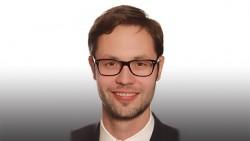 Neuer Lebensweg: Apotheker Christian Machon aus Unterfranken hat eine easy-Apotheke eröffnet und wurde dafür im Kammervorstand heftig kritisiert. Nun verlässt er den Vorstand. (Foto: privat)