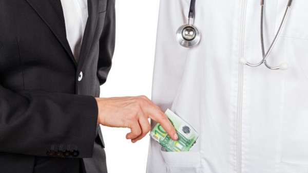 DAK-Ermittler holen 1,3 Millionen Euro
