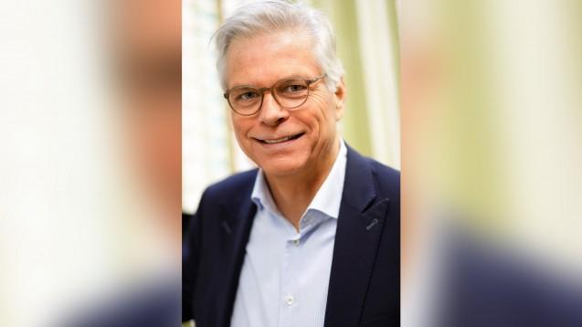 Pharma-Privat-Geschäftsführer Hanns-Heinrich Kehr hat kein Verständnis, dass die privaten, regionalen Pharmagroßhändler bei der Belieferung der COVID-19-Impfstoffe für Betriebsärzt:innen ausgeschlossen werden sollen. (Foto: Pharma Privat)