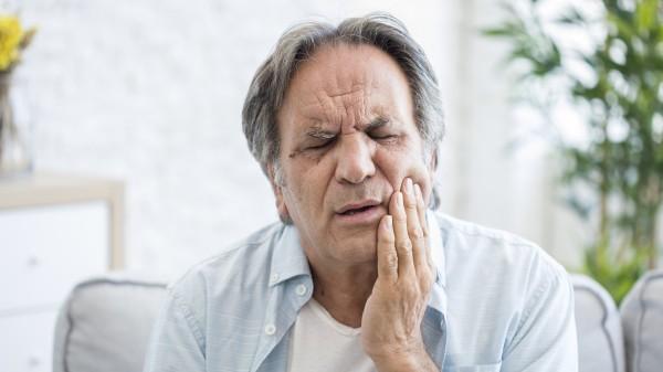 Zahnschmerztabletten – aber die mit dem Zahn!