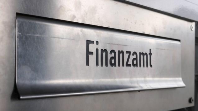 Die Finanzämter in Deutschland gehen offenbar sehr unterschiedlich mit der AvP-Pleite und ihren Folgen um. (p / Foto: imago images / teutopress)