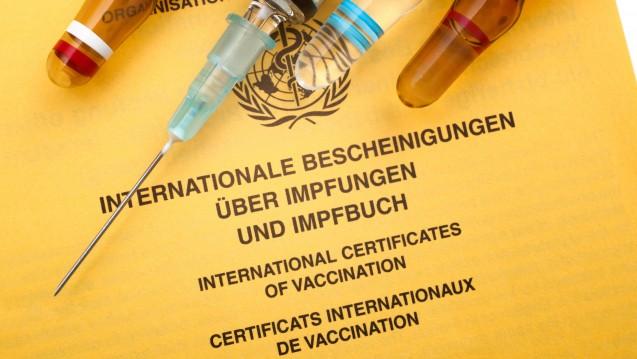 """""""Die Apotheken stehen als Partner für wohnortnahe Informationsangebote zum Impfen jederzeit bereit"""", erklärt ABDA-Vizepräsident Arnold. (Foto: Alexander Raths / Fotolia)"""
