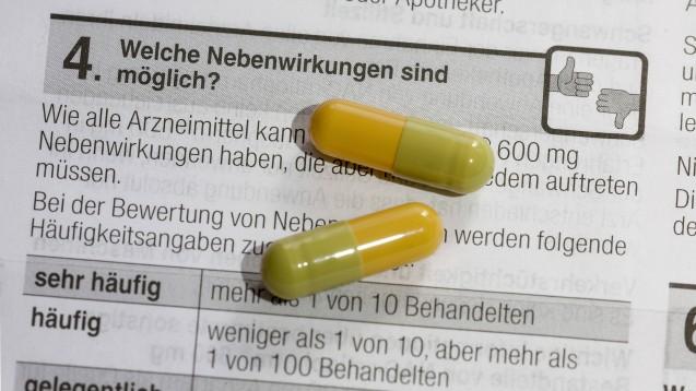 In klinischen Studien können nie alle Nebenwirkungen entdeckt werden, damit Arzneimittel sicherer werden, ist es deswegen wichtig, unerwünschte Arzneimittelwirkungen zu melden. Daran erinnern in einer gemeinsamen Kampagne weltweit die Behörden. ( r / Foto: imago images / Arnulf Hettrich)