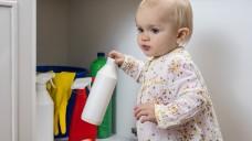 Putzmittel außerhalb der Reichweite von Kindern lagern, rät der Hessische Apothekerverband. (Foto: redpepper82 / Fotolia)