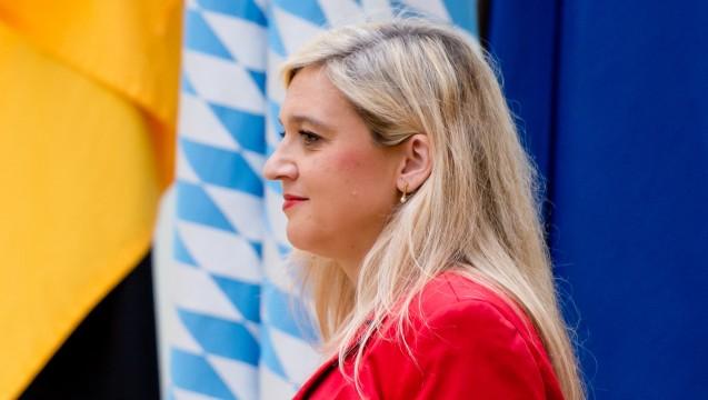 Apotheker-Himmel Bayern: Gesundheitsministerin Melanie Huml (CSU) will sich einsetzen. (Foto: dpa)