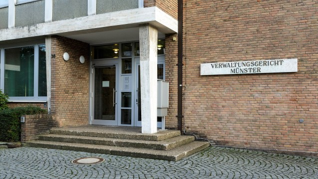 Das Verwaltungsgericht Münster hat eine Anweisung der Apothekenaufsicht bestätigt, nach der die Kooperation zwischen dem Pharmahändler Hommel Pharma und der Dr. Grautes Adler Apotheke beendet werden muss. (b/Foto: imago images / biky)
