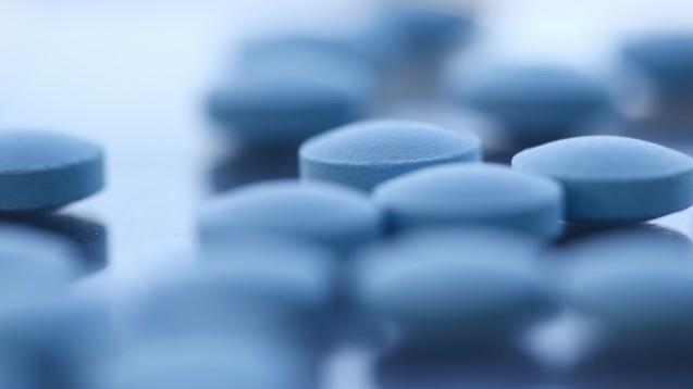 Bitte lesen Sie den Beitrag der DAZ 41 2020: Gecheckt: ASS und NSAR - Wann die thrombozytenaggregationshemmende Wirkung aufgehoben wird nur in der Online-Version. (Foto:H_Ko / stock.adoeb.com)