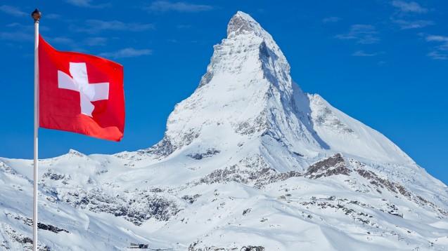 So hoch wie die Schweizer Berge: Arzneimittelpreise in der Schweiz. (Foto: Günter Menzl / Fotolia)