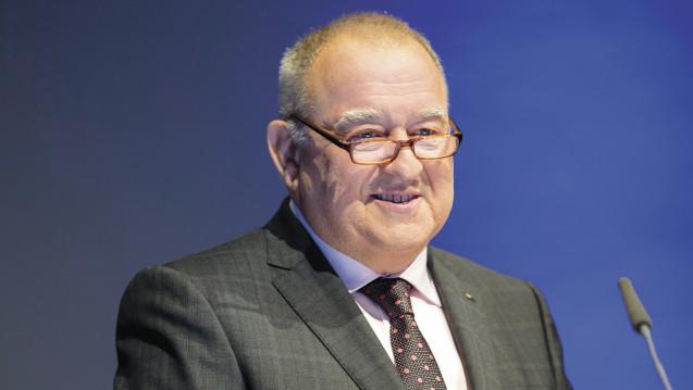 Fritz Becker, Chef des LAV-Baden-Württemberg, verteidigt die Apothekenpflicht für Homöopathika und Phytopharma. (Foto: Schelbert)