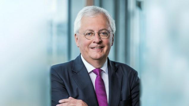 Noventi-Chef Dr. Hermann Sommer verspricht im DAZ.online-Interview, dass die Noventi alle Apotheken bis Ende September 2020 mit der nötigen Erstausrüstung für die Telematikinfrastruktur ausrüsten kann. (s / Foto: Noventi)