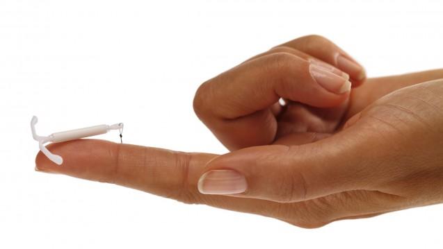 Hormonspiralen (hier: Mirena) bieten Verhütungsschutz, an den man drei bis fünf Jahre gar nicht denken muss. (Foto: Bayer)
