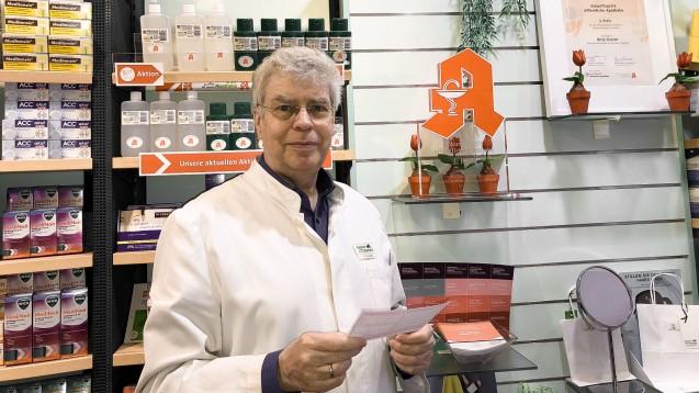 Apotheker Willi Lehwald aus Haan in Nordrhein-Westfalen hatte kürzlich ein WDR-Fernsehteam während des Notdienstes zu Besuch. (Foto: privat)