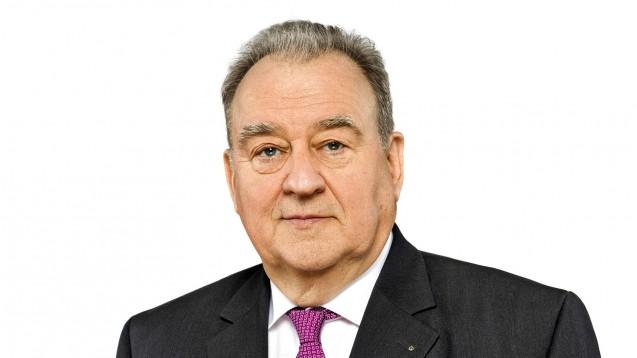 DAV-Chef Becker würdigt die gute Zusammenarbeit von Apothekern und Großhändlern. (Foto: ABDA)