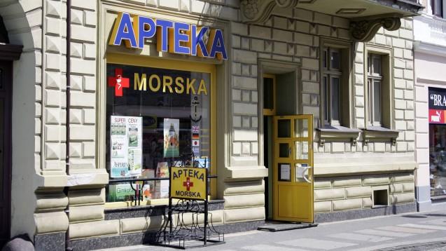 Einem Bericht des MDR zufolge haben die Lieferengpässe in Polens Apotheken auch oft mit illegalen Exporten zu tun. (s / Foto: imago images / Peters)