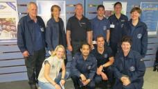 Janine Bleil von AoG mit dem NAVIS-Team beim Abflug in München. (Foto: AoG)