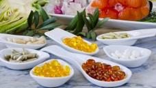 Nahrungsergänzungsmittel sind auch ein fester Bestandteil des Apotheken-Sortiments. Doch manchmal verspricht die Werbung mehr als die Präparate leisten können. (Foto: Pat Hastings / Fotolia)