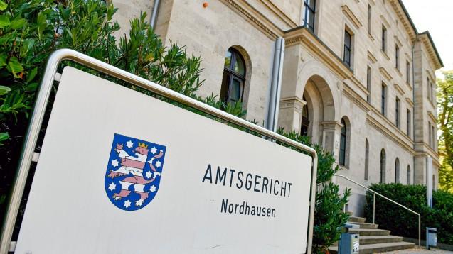 Vor dem Amtsgericht Nordhausen müssen sich derzeit ein Apothekerehepaar und eine Apothekenmitarbeiterin aus Königs Wusterhausen verantworten. (Foto: dpa / picture alliance)