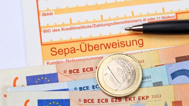 """Nichts geht mehr ohne IBAN: Die """"International Bank Account Number"""" ist seit 1. Februar auch für Verbraucher Pflicht. (Bild: Coloures-pic / Fotolia)"""