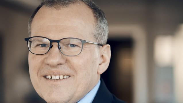 DocMorris-CEO Walter Hess hat kürzlich zu verstehen gegeben, nicht gegen das Rx-Boniverbot im Sozialrecht vorgehen zu wollen. Das Unternehmen ist nichtsdestotrotz der Meinung, dass es europarechtswidrig ist. (Foto: DocMorris)