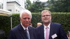 Gastgeber beim Treffpunkt Apothekerhaus (v.l.): Dr. Jörn Graue und Kai-Peter Siemsen. (Foto: tmb/DAZ)