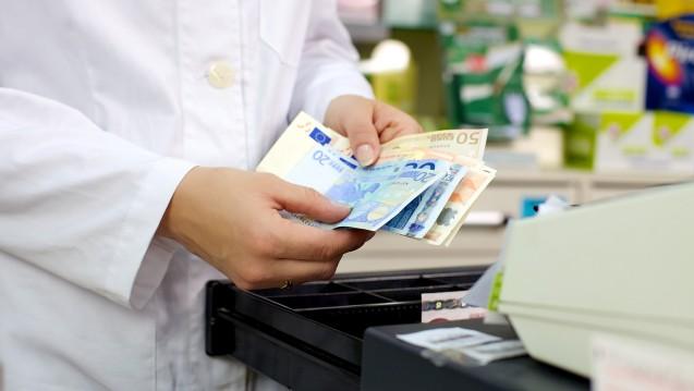 Laut Destatis ist der Apotheken- und Drogeriesektor im vergangenen Jahr voraussichtlich überdurchschnittlich gewachsen. (m / Foto: fabianaponzi/ stock.adobe.com)