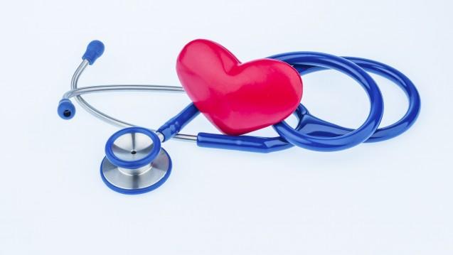 Vorbestehende Herz-Kreislauf-Erkrankungen bringen ein höheres Risiko für schweres COVID-19 mit sich. Welche das sind, hat ein neuer Cochrane-Review analysiert. (Bild: IMAGO / agefotostock)