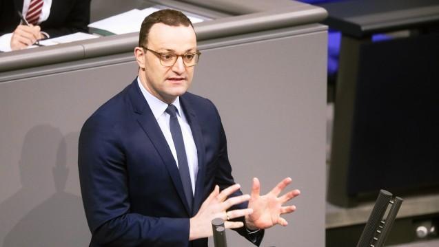 Bundesgesundheitsminister Jens Spahn (CDU) hat am heutigen Donnerstag an der zweiten und dritten Lesung seines TSVG teilgenommen, das letztlich beschlossen wurde. (c / Foto: imago)