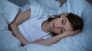 Einschlafstörungen bei Schulangst