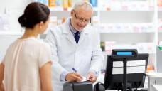 Der Gesundheitsausschuss des Bundesrates empfiehlt, die Möglichkeiten zur Ergänzung ärztlicher Verschreibungen durch Apotheker zu erweitern. (c / Foto: Syda Productions /stock.adobe.com)