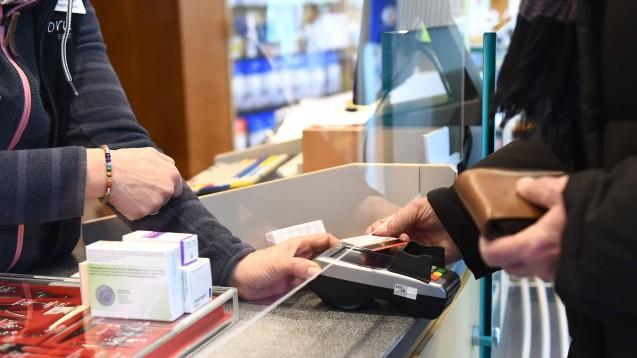 Auch der Alltag in Apotheken hat sich in den letzten Tagen extrem schnell verändert. An vielen Standorten könnten Apotheken gut Hilfe gebrauchen. (s / Foto: imago images / MaBoSport)