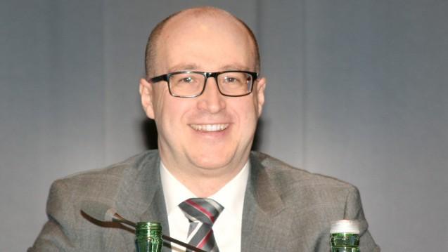 Professor Robert Fürst stellt in Schladming Phytotherapeutika vor, für die es gute Daten gibt. (Foto: wes / DAZ.online)