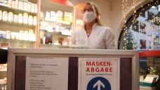 Auch wenn es nicht überall rund lief: Aus ABDA-Sicht hat die Schutzmasken-Verteilaktion im Dezember gut funktioniert. (Foto: imago images / Eibner)