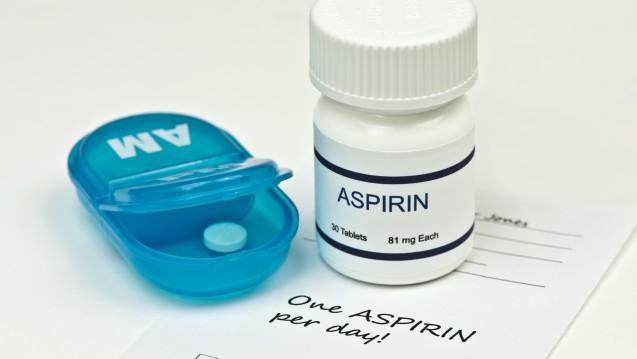 Nur noch mit Dosierung: Ärzte sollen künftig die Dosierung des Arzneimittels auf die Verordnung schreiben. (s / Foto: Sherry Young / stock.adobe.com)