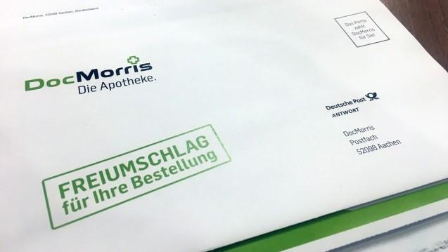 An mehreren Stellen in den DocMorris-Paketen wird immer wieder eine Postfach-Adresse in Aachen angegeben. Auch als Absender. Der Verband Sozialer Wettbewerb hatte deswegen schon einmal ein Gerichtsurteil gegen den EU-Versender erwirkt und hat nun einen Ordnungsmittelantrag gestellt. (s / Foto: DAZ.online)
