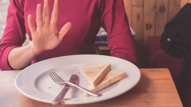 Dass Zöliakie-Patienten kein Weizenbrot essen sollten, weiß vermutlich jeder. Können aber auch Arzneimittel oder Kosmetika Gluten enthalten? (Foto: LoloStock / stock.adobe.com)